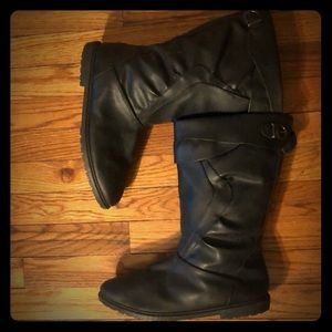 Shoes - Black Vintage Canadian Fleece Lined Winter Boots!